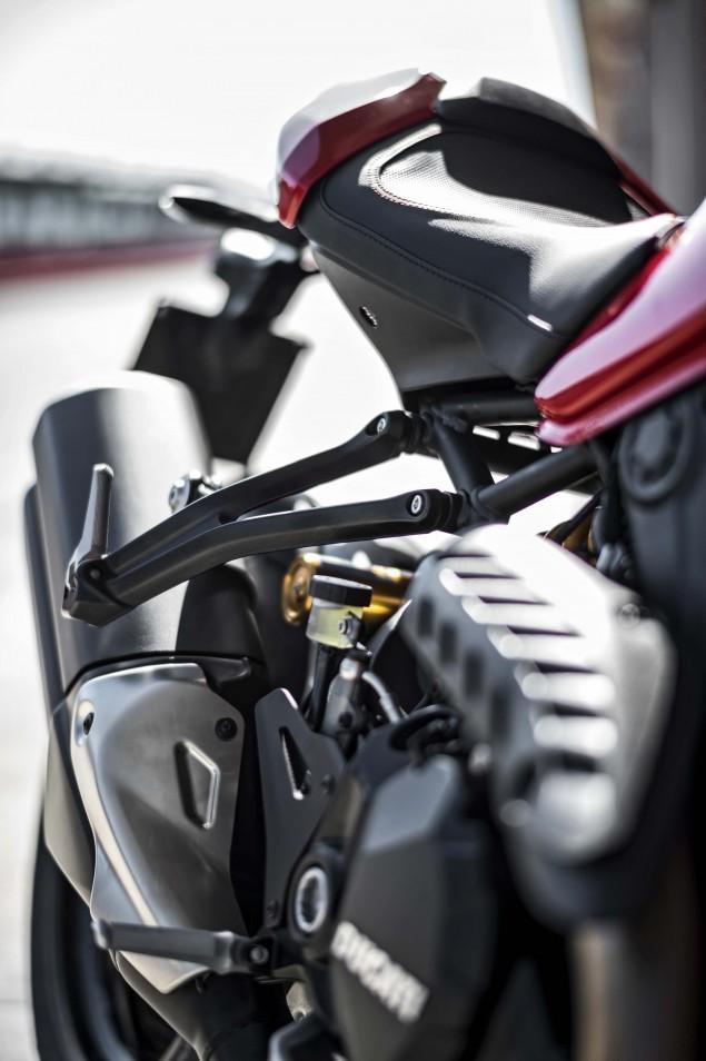 2016-Ducati-Monster-1200-R-still-01
