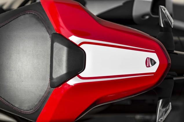 2016-Ducati-Monster-1200-R-still-02