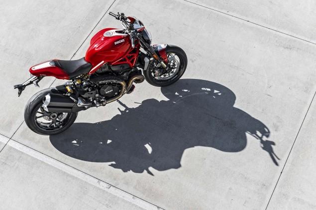 2016-Ducati-Monster-1200-R-still-26
