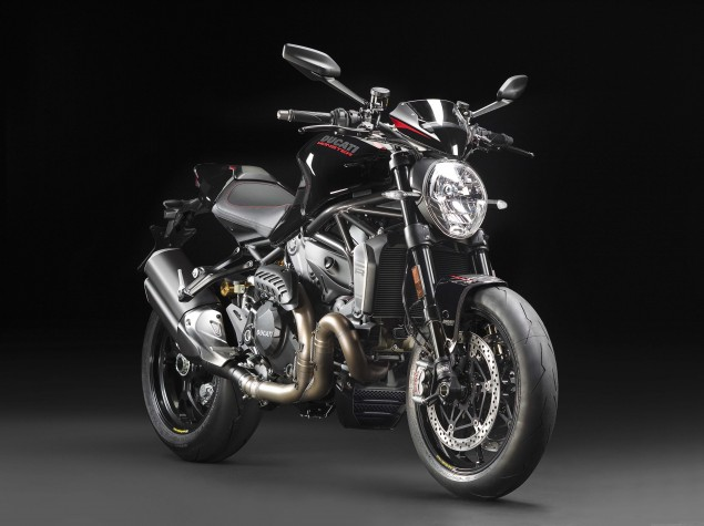 2016-Ducati-Monster-1200-R-studio-04