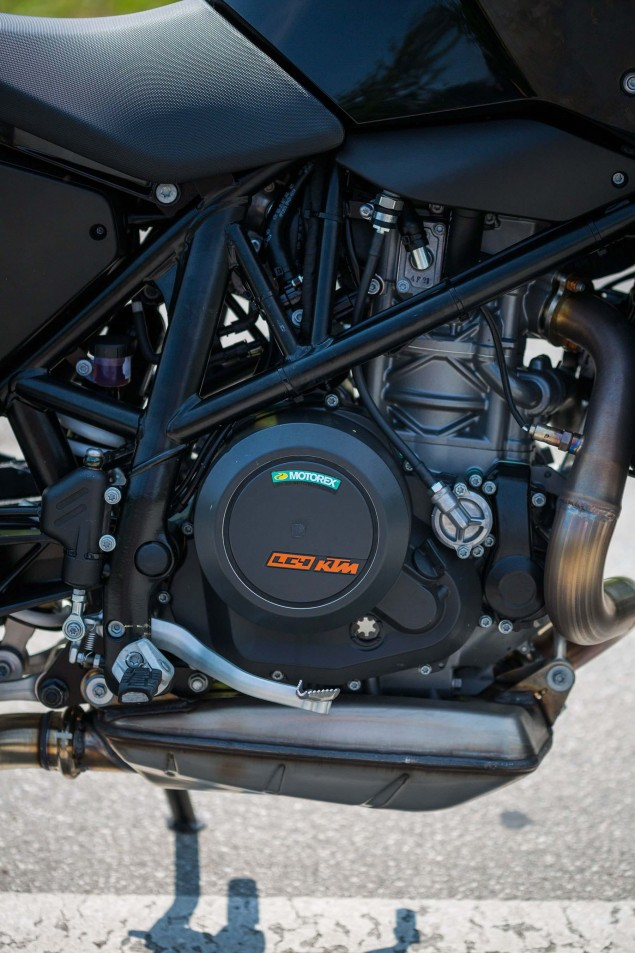2016-KTM-690-Duke-update-04