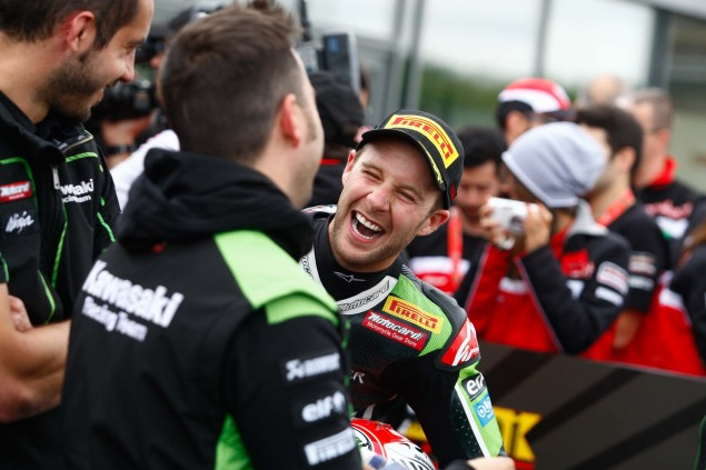 Jonathan-Rea-Kawasaki-Racing-Team-World-Superbike-WSBK-Champion-03