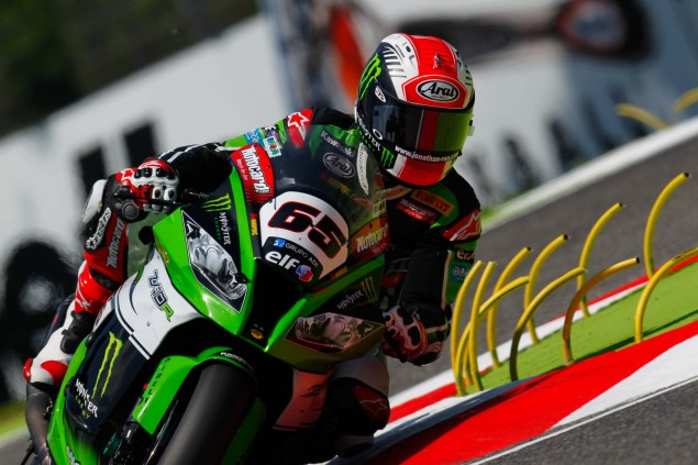 Jonathan-Rea-Kawasaki-Racing-Team-World-Superbike-WSBK-Champion-11