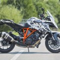 2016-KTM-1290-Super-Duke-GT-teaser-04