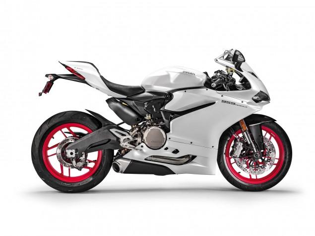 2016-Ducati-959-Panigale-USA-model-15