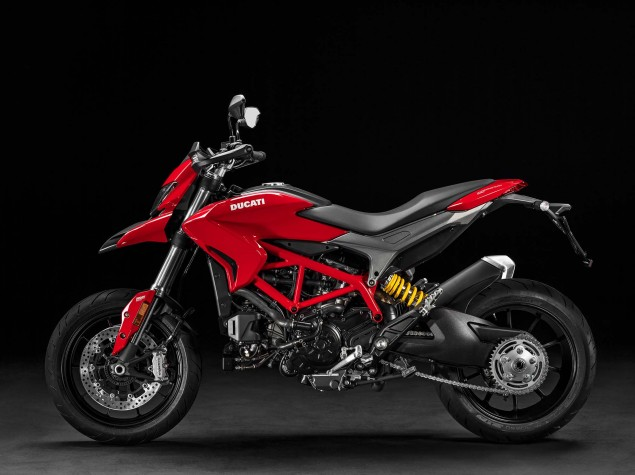 2016-Ducati-Hypermotard-939-12