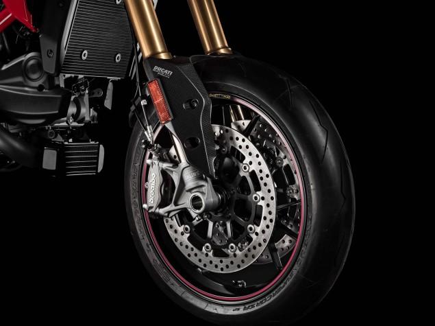 2016-Ducati-Hypermotard-939-SP-06