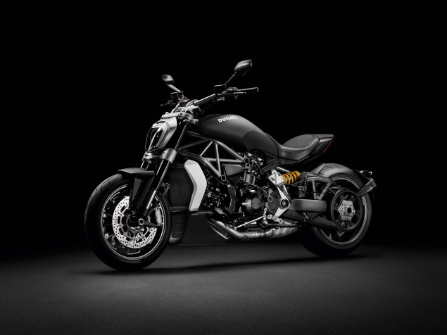 2016-Ducati-XDiavel-03