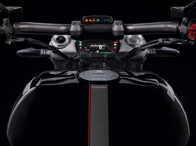 2016-Ducati-XDiavel-S-14