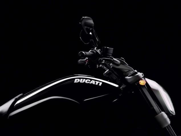 2016-Ducati-XDiavel-S-16