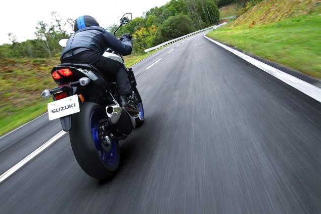 2016-Suzuki-SV650-A-action-02