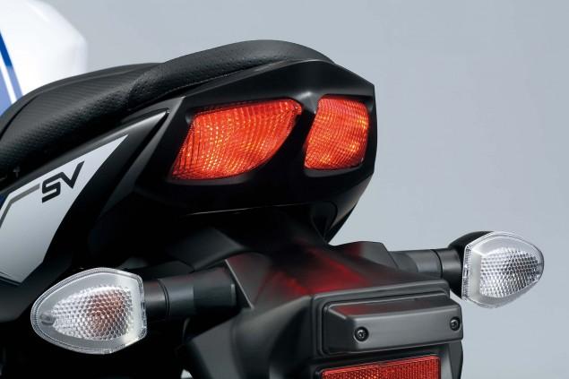 2016-Suzuki-SV650-A-details-26