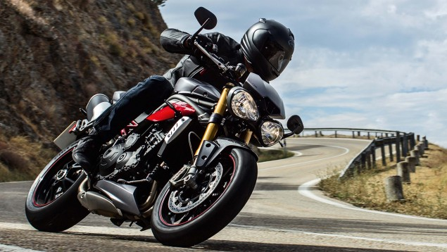 2016-Triumph-Speed-Triple-09