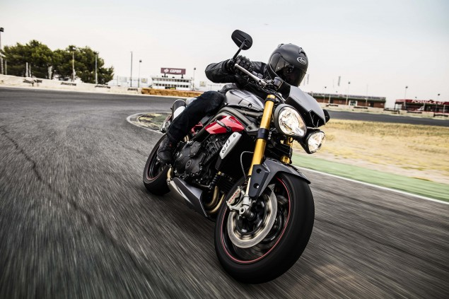 2016-Triumph-Speed-Triple-11