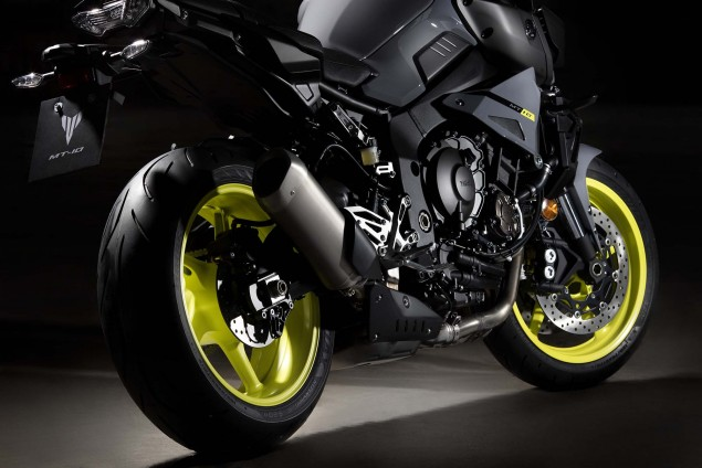 2016-Yamaha-MT-10-details-04