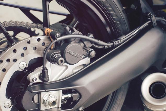 2016-Yamaha-XSR900-details-03