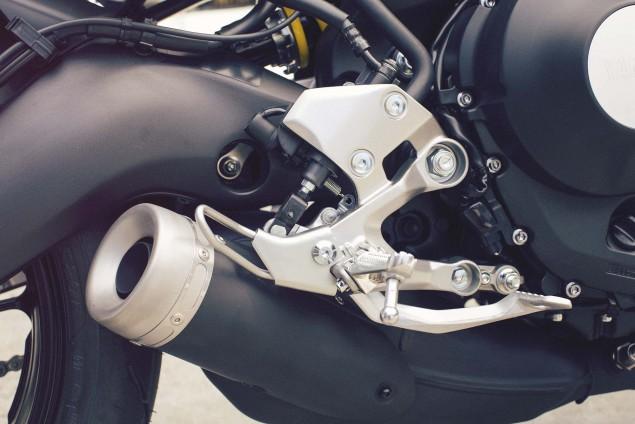2016-Yamaha-XSR900-details-19