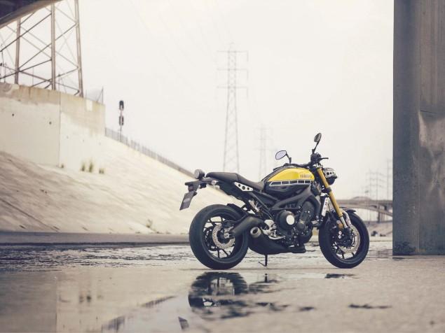 2016-Yamaha-XSR900-static-02