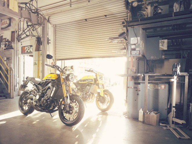 2016-Yamaha-XSR900-static-04