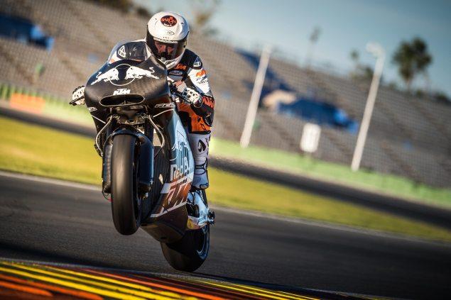Mika-Kallio-KTM-RC16-MotoGP-Wheelie
