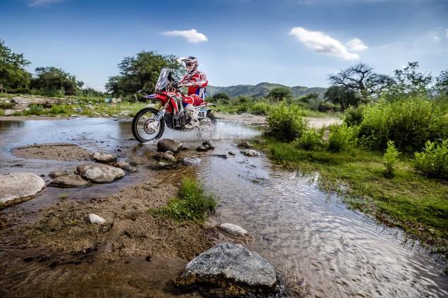 2016-Dakar-Rally-Stage-13-HRC-21