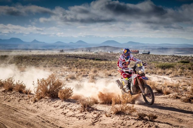 2016-Dakar-Rally-Stage-5-HRC-15
