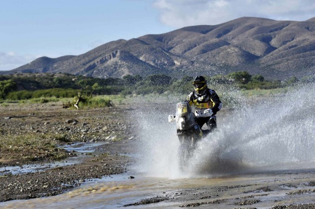 2016-Dakar-Rally-Stage-5-Husqvarna-01