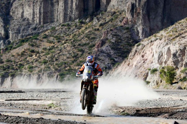2016-Dakar-Rally-Stage-5-KTM-01