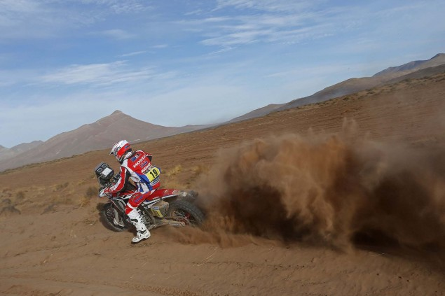 2016-Dakar-Rally-Stage-7-HRC-08