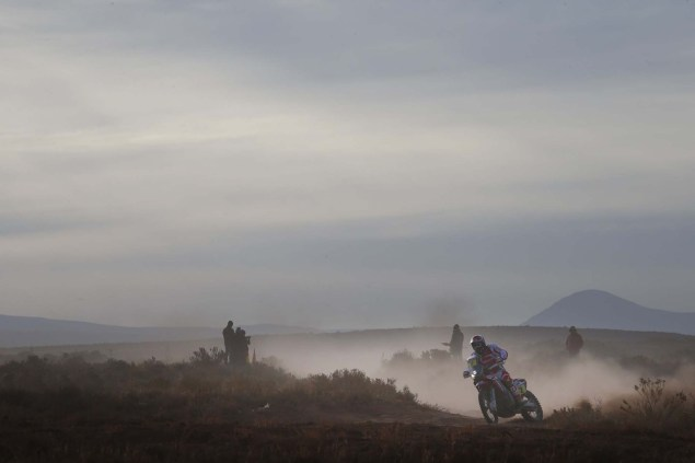 2016-Dakar-Rally-Stage-7-HRC-15
