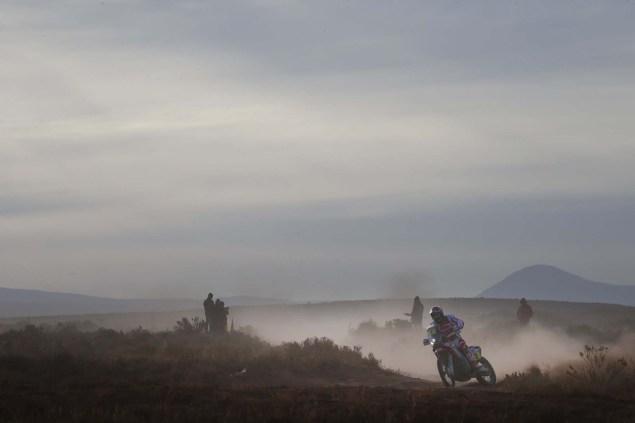 2016-Dakar-Rally-Stage-7-HRC-15