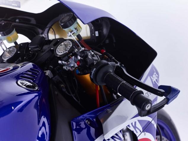 2016-Yamaha-YZF-R1-World-Superbike-26
