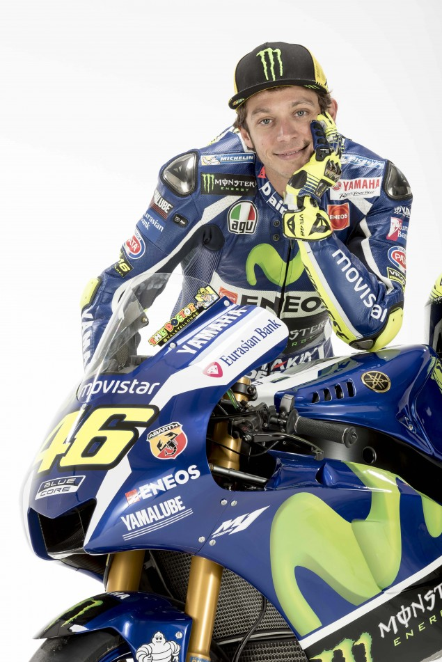 2016-Yamaha-YZR-M1-Valentino-Rossi-33