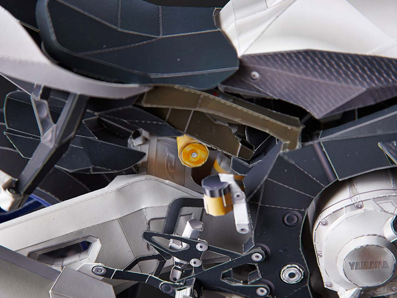 Make a scale model of the yamaha yzf r1m out of paper asphalt yamaha yzf r1m papercraft model 04 jeuxipadfo Choice Image