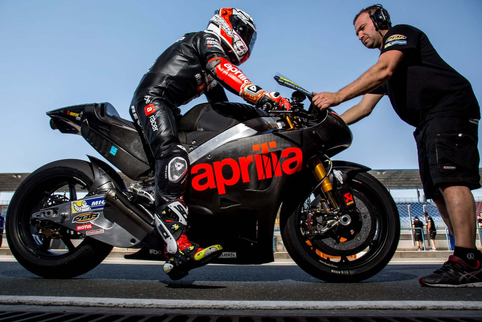 2016 Aprilia RS-GP MotoGP Bike Officially Breaks Cover
