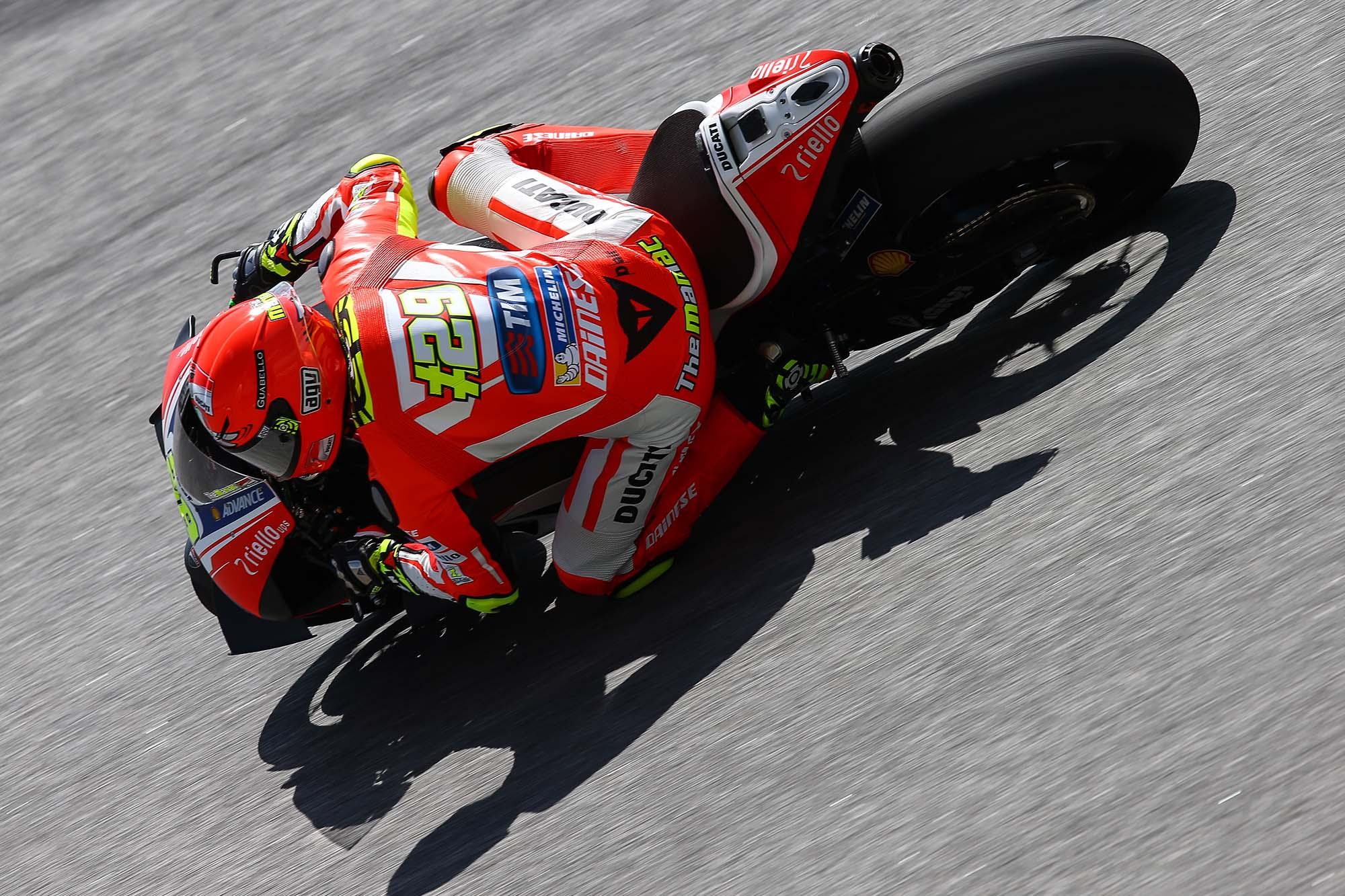 Iannone Pays Homage to Dead Seagull with Winter Helmet - Asphalt & Rubber