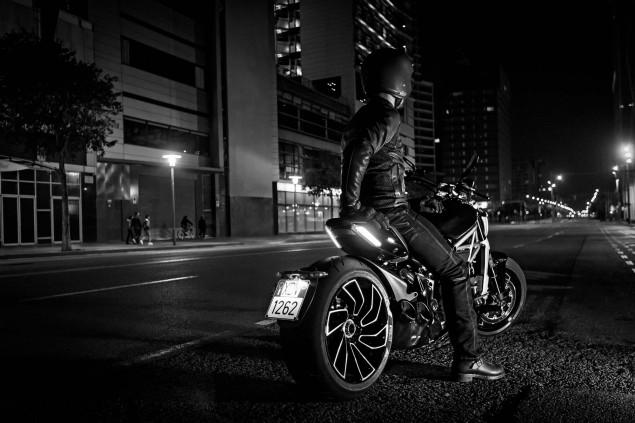 Ducati-XDiavel-S-San-Diego-studio-action-02