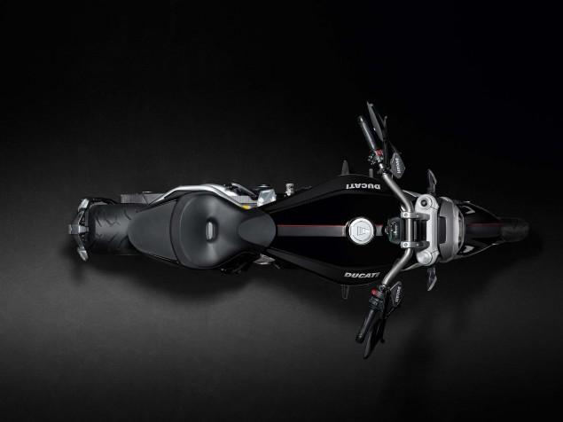 Ducati-XDiavel-S-San-Diego-studio-action-37
