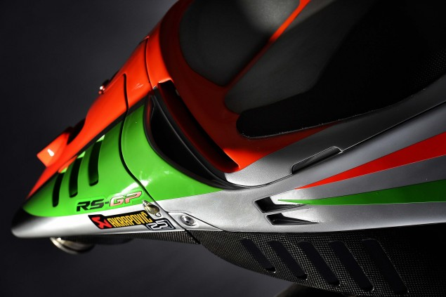 2016-Aprilia-RS-GP-MotoGP-10