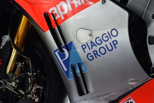 2016-Aprilia-RS-GP-MotoGP-14