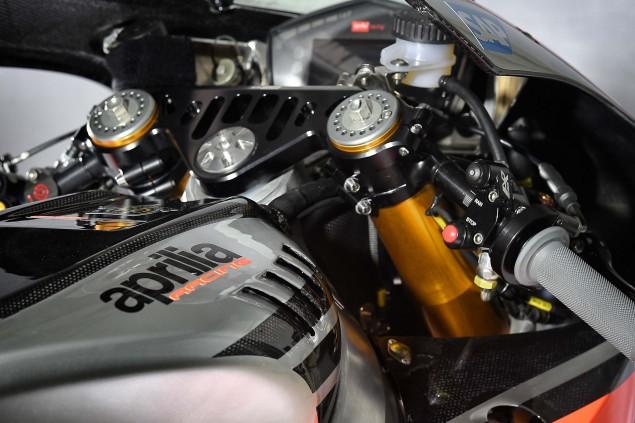 2016-Aprilia-RS-GP-MotoGP-21