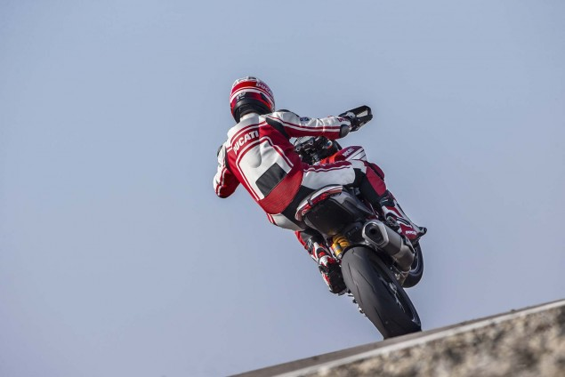2016-Ducati-Hypermotard-939-SP-04