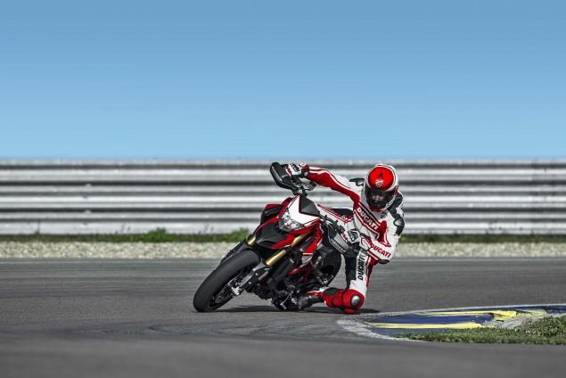 2016-Ducati-Hypermotard-939-SP-12