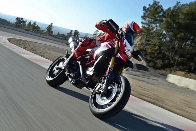 2016-Ducati-Hypermotard-939-SP-42
