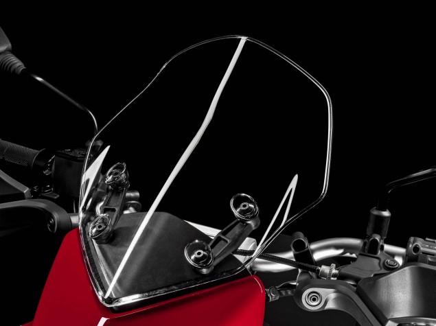 2016-Ducati-Hyperstrada-939-09