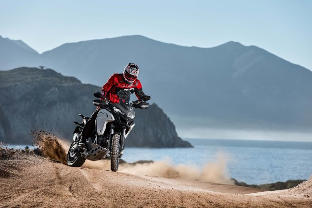 Ducati-Multistrada-1200-Enduro-action-09