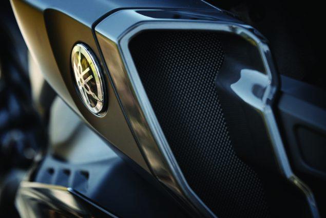 2017-Yamaha-FZ-10-USA-13