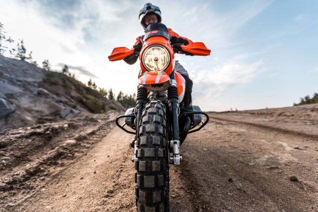 BMW-Lac-Rose-R-nineT-Dakar-Rally-concept-06