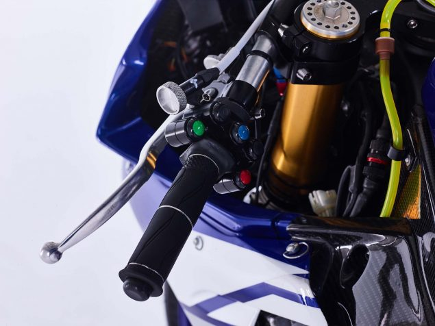 GMT94-Yamaha-YZF-R1-Official-EWC-race-bike-06