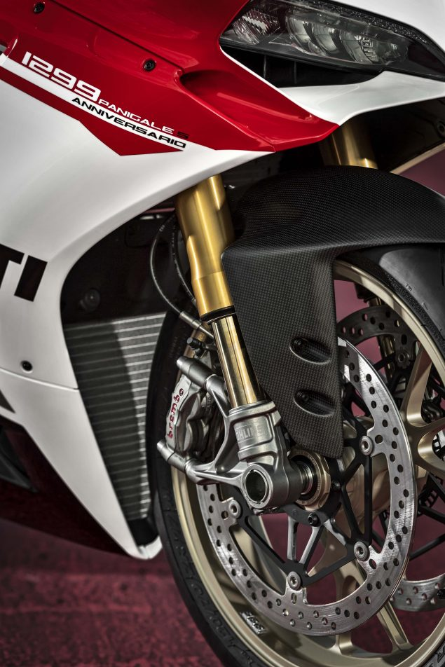 2017-Ducati-1299-Panigale-S-Anniversario-11